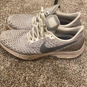 Men's Nike zoom Pegasus running shoe